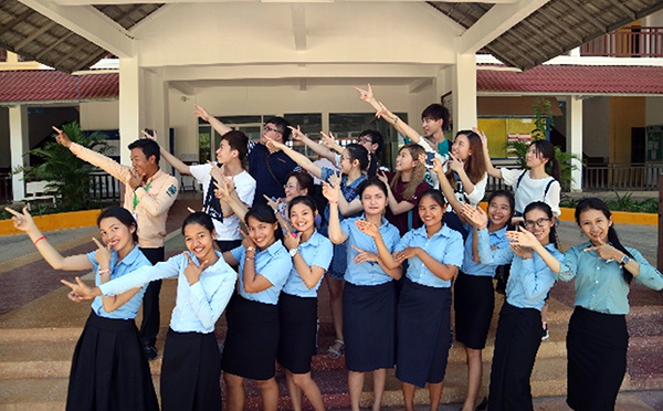 Cultural exchange with students of Angkor University